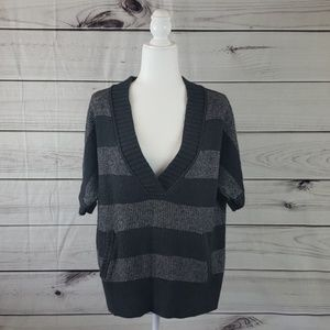Loft• XL petite sweater v-neck short sleeve stripe